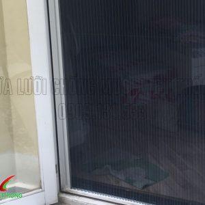 Lắp ráp cửa lưới chống muỗi tại Sài Gòn