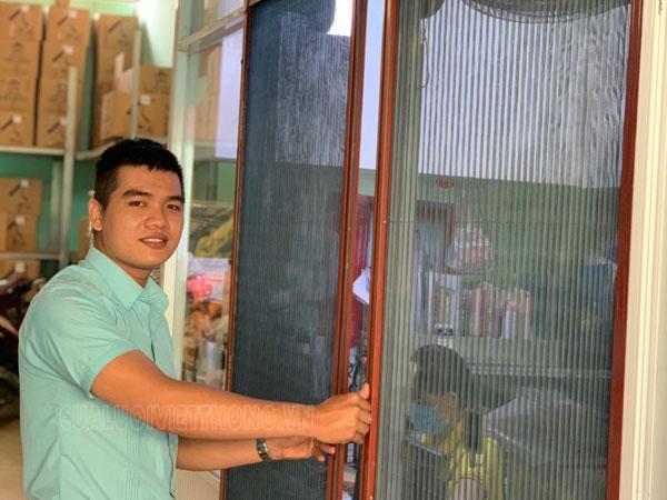 Hướng dẫn nhanh chóng vệ sinh cửa lưới chống côn trùng