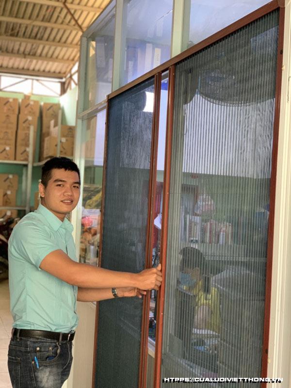 Dịch vụ lắp đặt cửa lưới chống muỗi cho văn phòng TPHCM Việt Thống