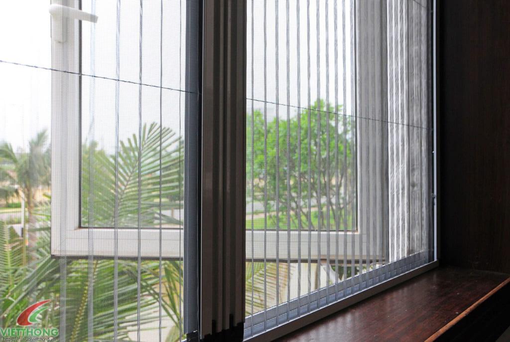 Phòng chống gián vào nhà bằng cửa lưới chống muỗi