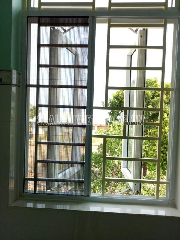 Mẫu cửa lưới chống muỗi xếp có ray dành cho cửa sổ